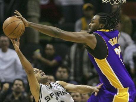 Les deux amis, habitués à s'affronter en NBA, pourraient enfin jouer ensemble en club - DR Sport24