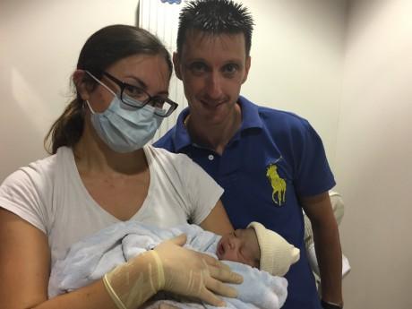 Le petit Lenny, aux côtés de son papa - DR