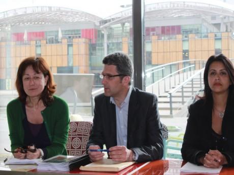 Christophe Geourjon, ici entouré de Fabienne Lévy et de Fouziya Bouzerda - LyonMag