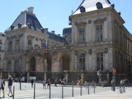 L'Hôtel de Ville, place des Terreaux à Lyon - LyonMag