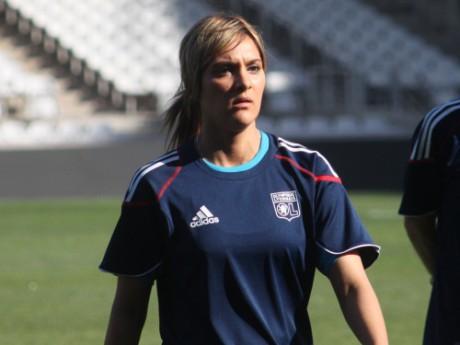 Louisa Necib devra suivre un programme spécial après sa blessure survenue avec l'Equipe de France - LyonMag
