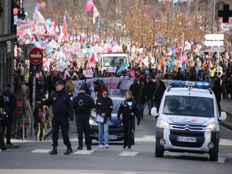Le cortège dans les rues de Lyon dimanche après-midi - LyonMag