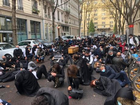 La manifestation des indépendants lundi dernier devant la préfecture du Rhône - LyonMag