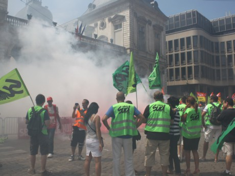 Les cheminots devant l'Hôtel de Ville de Lyon jeudi - LyonMag