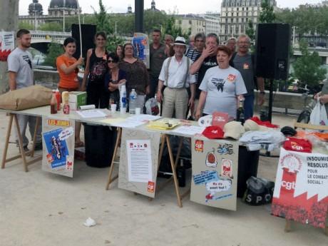Les manifestants sur les quais du Rhône - Photo Lyonmag.com