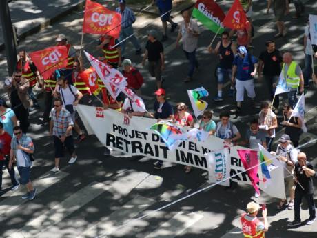 Entre 3200 et 8000 personnes ont manifesté contre la loi Travail à Lyon ce jeudi - Lyonmag.com