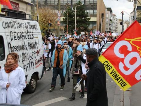 1300 personnes ont manifesté à Lyon pour défendre l'hôpital public - Lyonmag.com