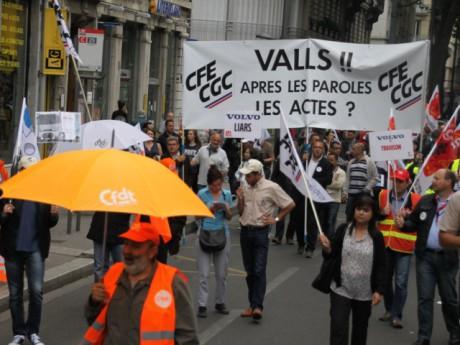 600 salariés de Renault Trucks ont manifesté à Lyon - LyonMag.com