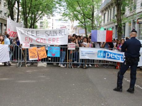 Près de 200 personnes ont manifesté à Lyon pour la régularisation d'Arnaud - Lyonmag.com
