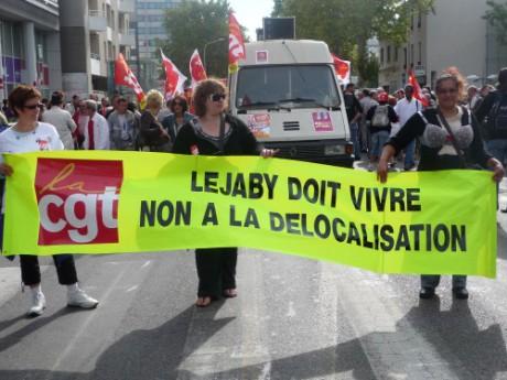 Les salariés de Lejaby lors d'une manifestation à Lyon - Photo Lyonmag.com