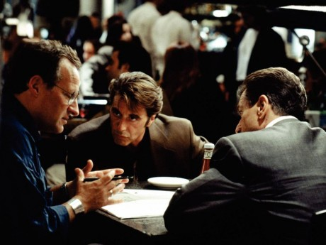 Michael Mann sur le tournage de Heat avec de Niro et Pacino - DR