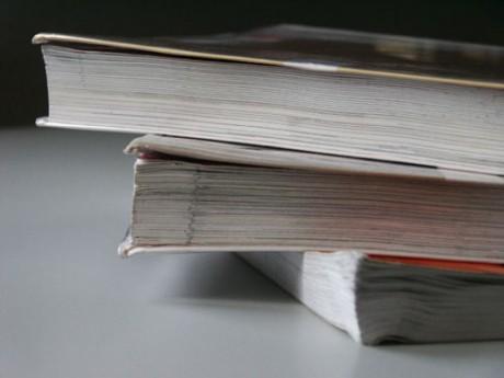 Que les parents se rassurent, les manuels scolaires ne disparaitront pas totalement des classes à la rentrée - Photo d'illustration - DR
