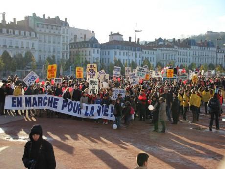 La Marche pour la Vie a rejoint samedi après-midi la place Bellecour - LyonMag