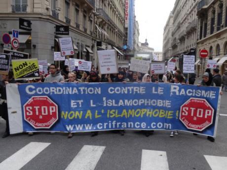 La marche contre l'islamophobie à Lyon - LyonMag