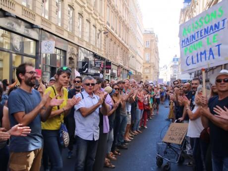 Les Lyonnais rassemblés pour la Marche pour le Climat - LyonMag