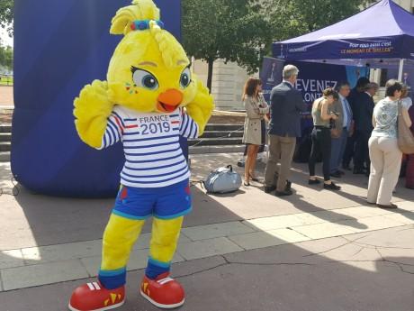 Ettie, mascotte de la compétition - LyonMag
