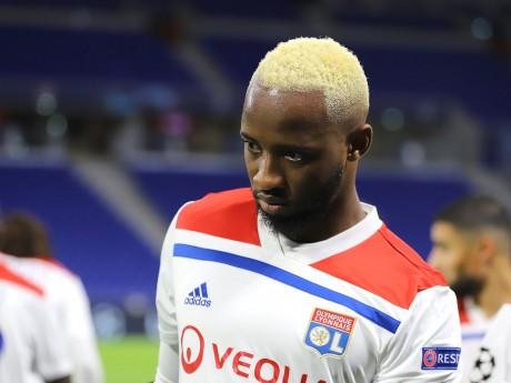 Moussa Dembele avec le maillot de l'OL siglé Adidas - Lyonmag.com
