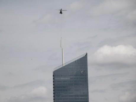 L'opération d'héliportage ce dimanche sur la tour Incity - LyonMag