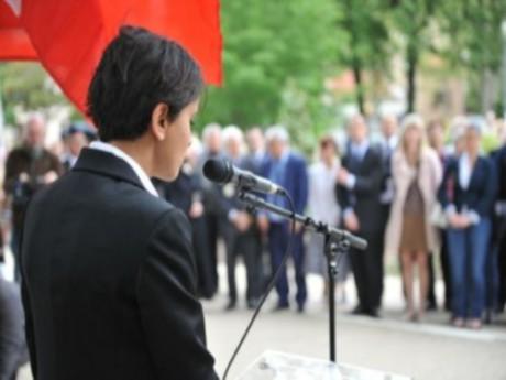 Photo DR - Najat Vallaud-Belkacem le 8 mai 2012 à Montchat