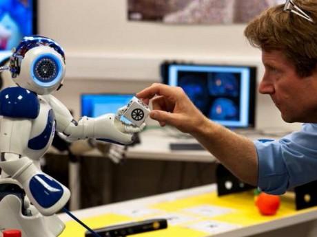 Le robot Nao inventé par le CNRS et l'Université Lyon 1 - DR