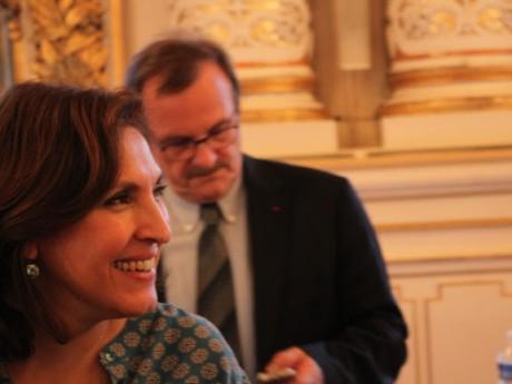Nora Berra s'est prononcée contre l'arrêté préfectoral pris par Jean-François Carenco (en arrière-plan) - LyonMag
