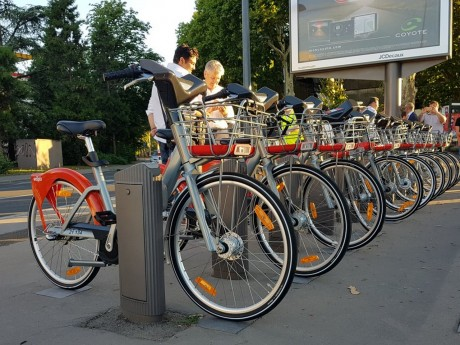Les nouveaux Vélo'v installés dès mardi soir à Lyon - LyonMag