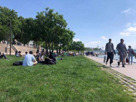 Les Lyonnais profitent du soleil - LyonMag