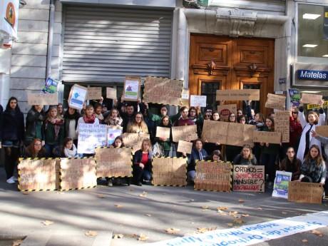 Les orthophonistes se sont rassemblés devant le siège du PS à Lyon - Lyonmag.com