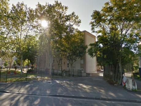 Le violeur du 8e a été arrêté sur ce parking vendredi - DR Google