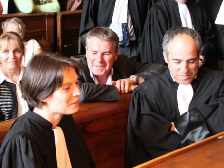 Paul François ici à Lyon entouré de ses avocats - LyonMag