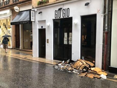 Le local de la pizzeria où l'incendie s'est déclaré ce samedi matin - LyonMag