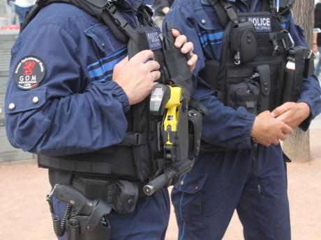 Des hommes de la police municipale de Lyon - LyonMag