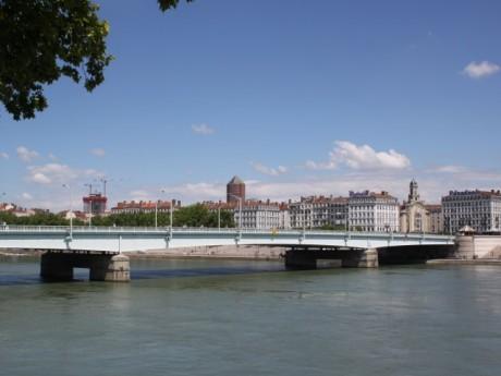 Le pont de la Guillotière sera bientôt en travaux - Lyonmag.com