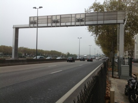Le portique écotaxe de l'A7 - LyonMag.com