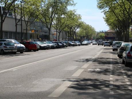 L'accident s'est produit devant les locaux de la Poste dans le 8e arrondissement de Lyon - Lyonmag.com