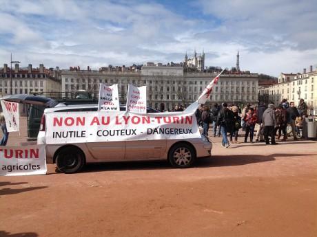 Les manifestants ont prévu de déambuler dans les rues de la ville - LyonMag