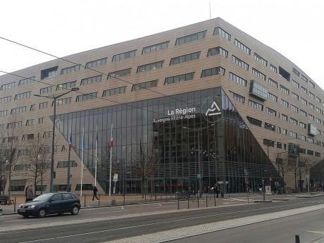 Le siège de la Région avec le nouveau logo - Lyonmag.com