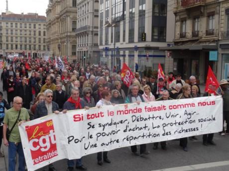 Les retraités éaient dans la rue ce mardi après-midi - LyonMag
