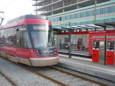 Le Rhônexpress a provoqué un problème de circulation - Photo LyonMag