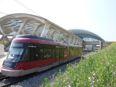 Le Rhônexpress a établi un nouveau record en 2013 - LyonMag