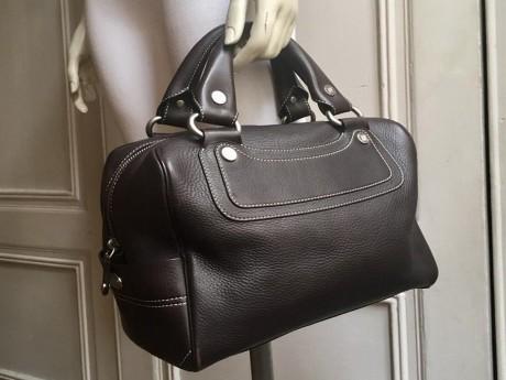 L'un des sacs proposé à la vente ce mardi - DR