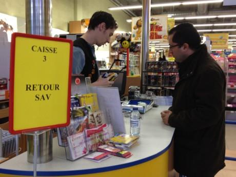 Le guichet du service après-vente au Kingjouet du Carré de Soie - Photo Lyonmag.com