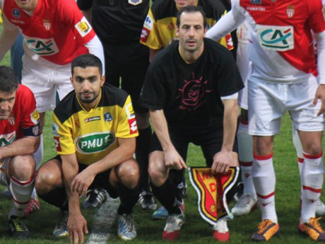 Soner Ertek, ici aux côtés de Ludovic Giuly au coup d'envoi de Chasselay-Monaco - LyonMag