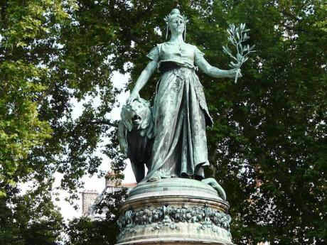Statut de la République place Carnot - DR