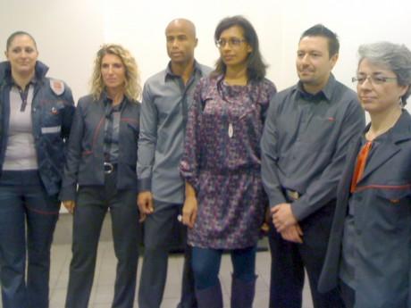 Les tenues 2012 des TCL, avec au centre, la créatrice, Sarah Diallo - Photo Lyonmag.com