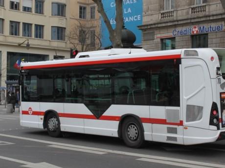 Pour l'occasion, l'ensemble des bus arboreront un drapeau tricolore - LyonMag