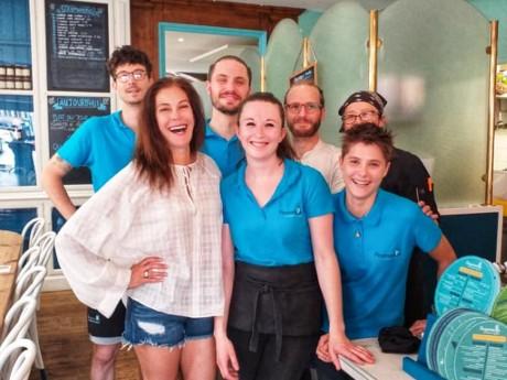 Teri Hatcher avec l'équipe de Pimprenelle - DR