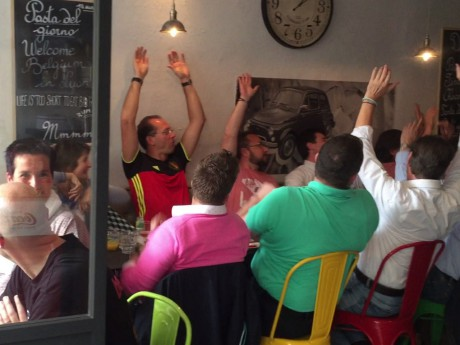 Un groupe de supporters belges dans un restaurant italien - LyonMag