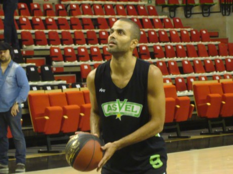 Tony Parker sous le maillot de l'ASVEL - Photo Lyonmag.com