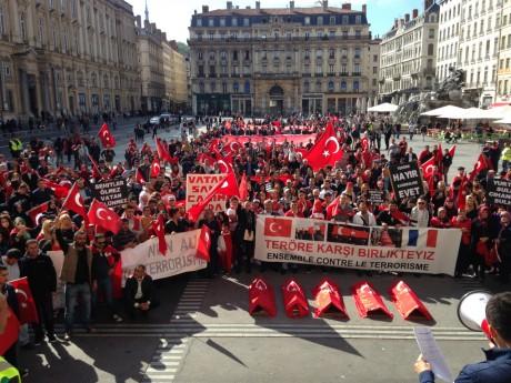 Près de 500 personne étaient réunies - LyonMag